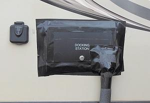Click image for larger version  Name:dock station ext.jpg Views:108 Size:134.6 KB ID:20465