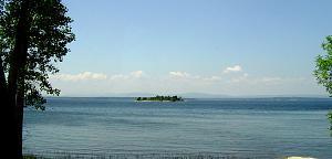 Click image for larger version  Name:Lake Champlain - US-2 N. Hero Islad - 1.jpg Views:22 Size:135.4 KB ID:26466
